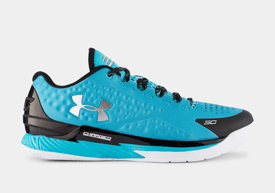 Low Top Under Armor Basketball Shoes