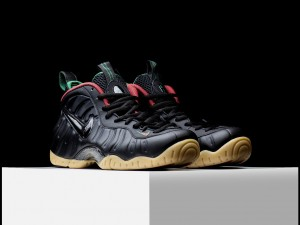 Air-Foamposite-Gucci-Pro-black-background