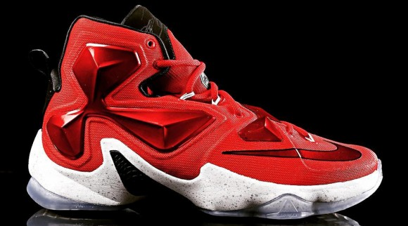Detailed Look at the Nike LeBron 13