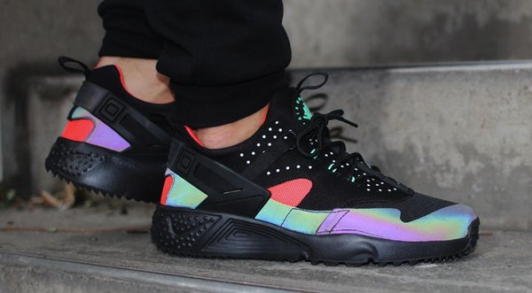 save off 13704 73c21 nike air huarache run mid iridescent