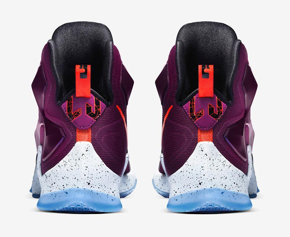 Nike LeBron 13 Written In The Stars heel