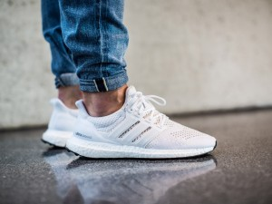 adidas-Ultra-BOOST-All-White-4
