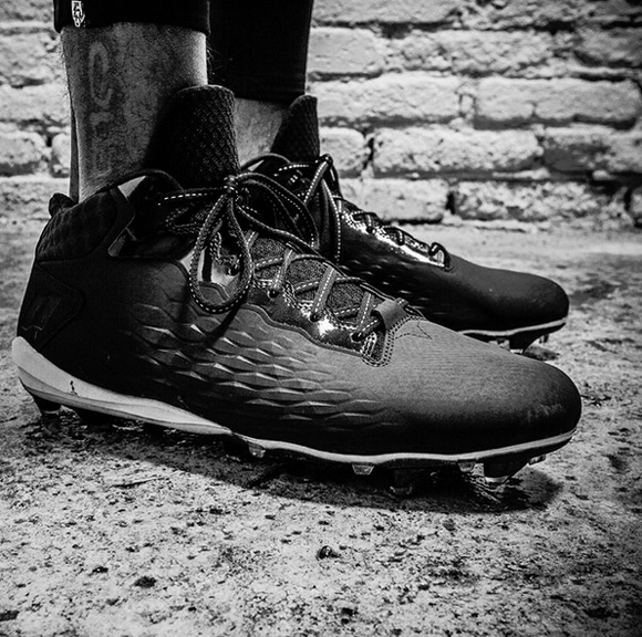 These are the BrandBlack Cleats Desean Jackson Will Wear on the Field 1