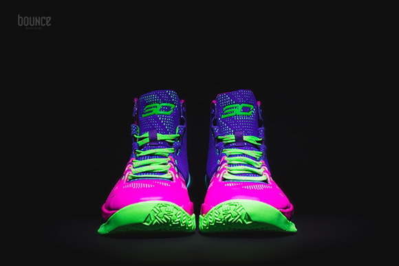 Get a Detailed Look at the Under Armour Curry 2 'Northern Lights' 2