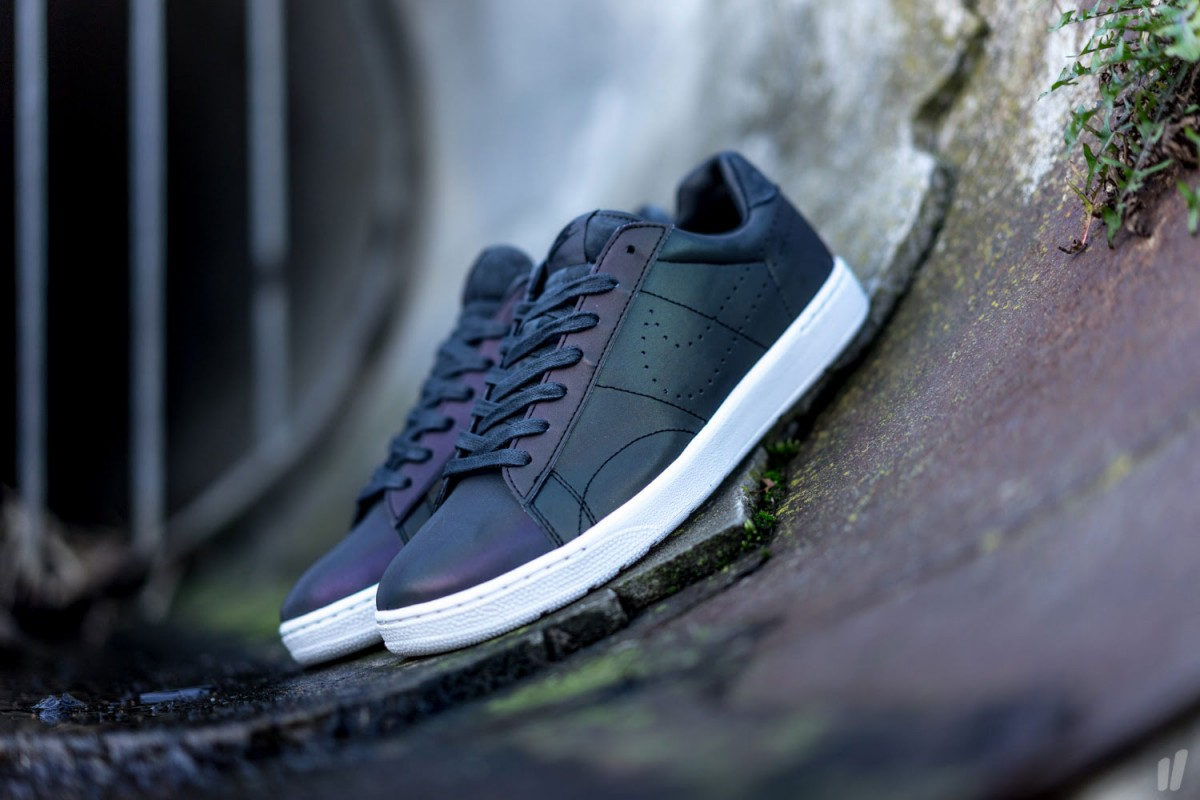 this nike tennis classic ultra qs is the swoosh 39 s answer to xeno weartesters. Black Bedroom Furniture Sets. Home Design Ideas