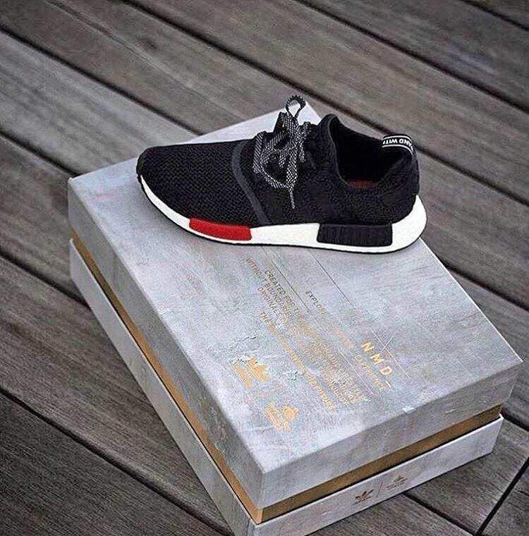 foot locker exclusive x adidas nmd r1 grey