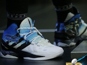 Cam Newton Rocks a Custom Colorway of the Under Armour Curry 2