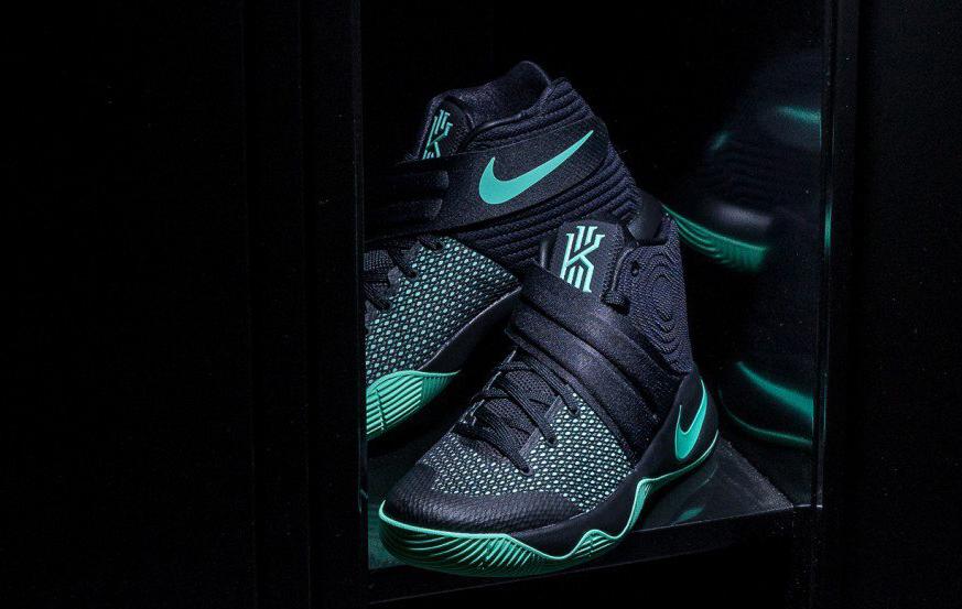 Nike-Kyrie-2-Green-Glow-2