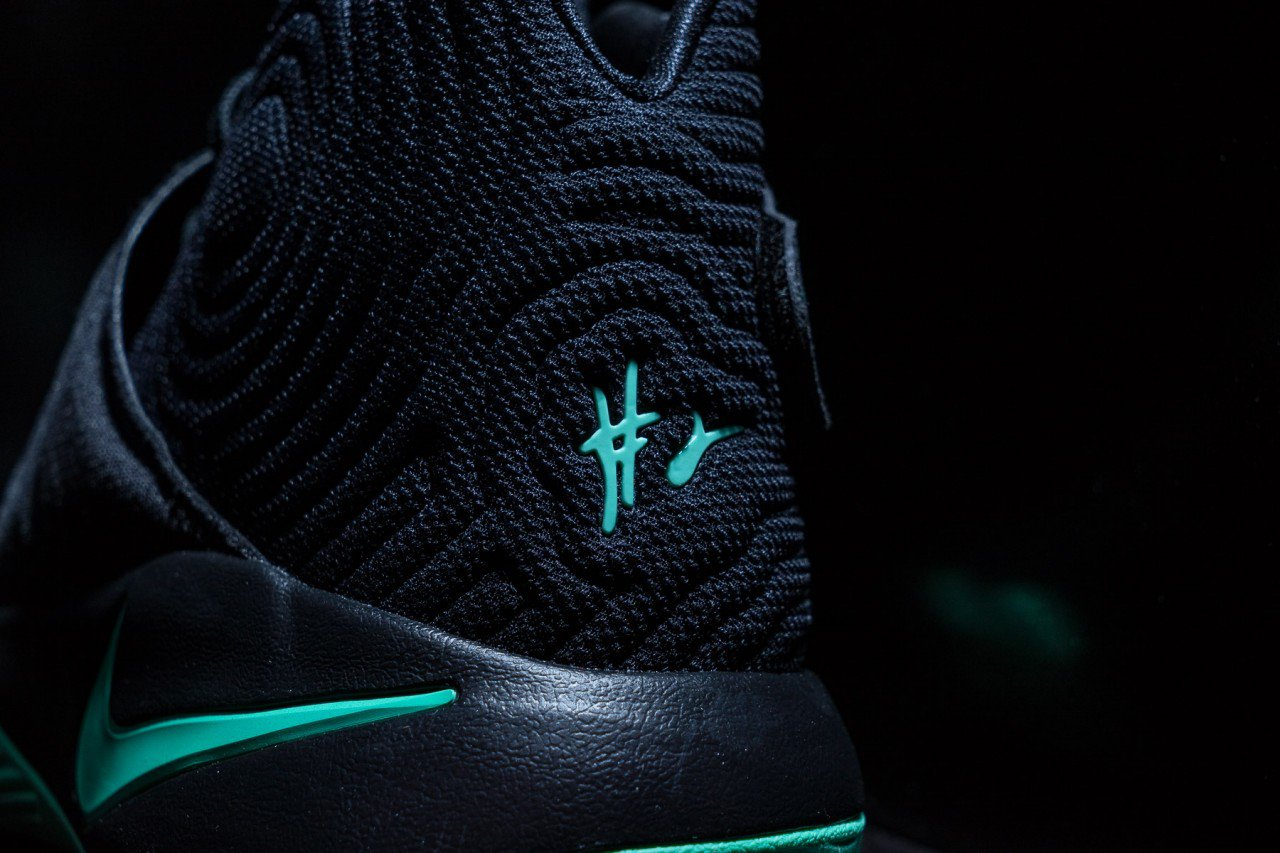 Nike-Kyrie-2-Green-Glow-5