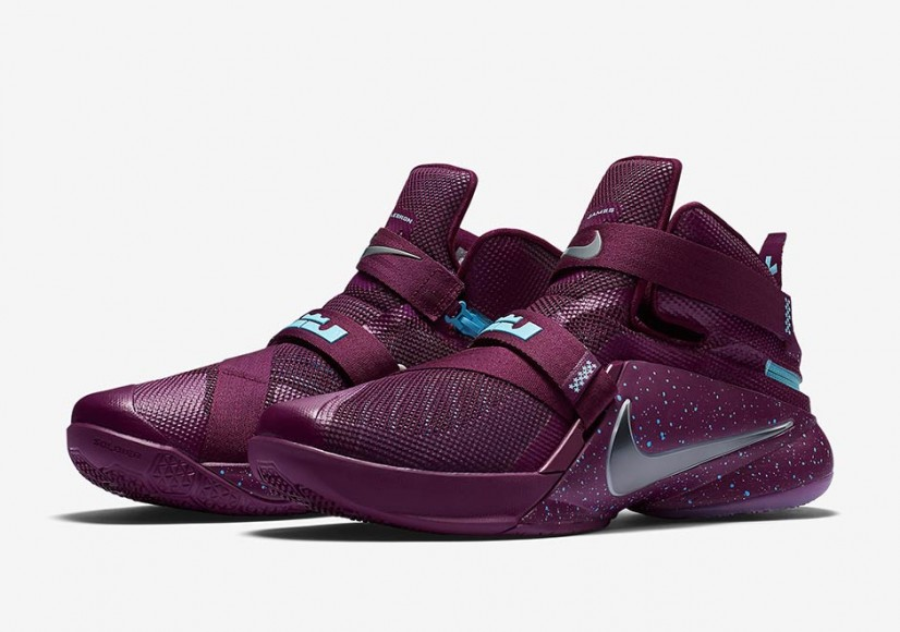 new product 4136d 3bdc4 ... Nike Flyease on Nike Zoom LeBron Soldier 9 ...