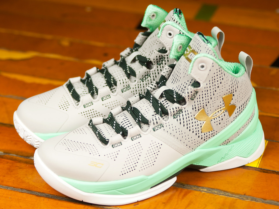 Get a Detailed Look at the Under Armour Curry 2 'Easter' 4