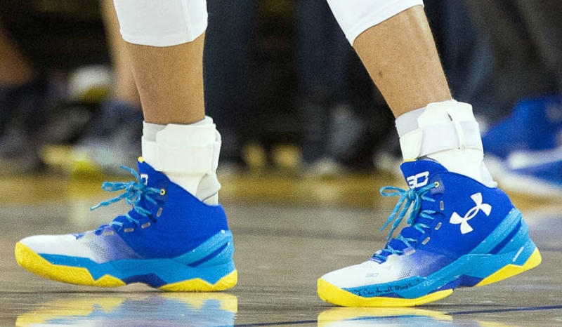 official photos 71783 43f36 Take a Look at Steph's New PE of the Under Armour Curry 2 ...