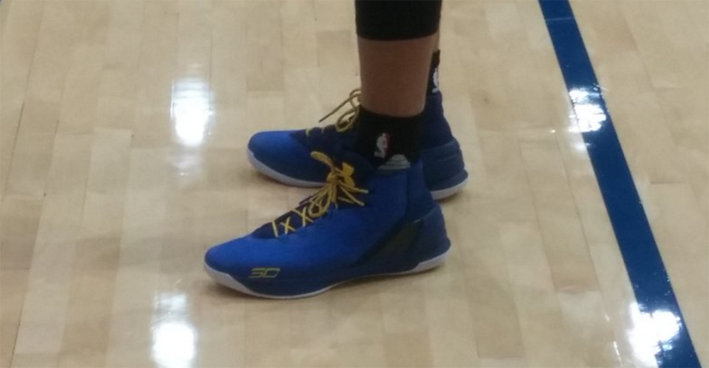 hot sale online 820ae d2740 Stephen Curry Wears Under Armour Curry 3 to Practice ...