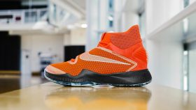 Nike Zoom Hyperrev 2016 'Skylar Diggins PE'