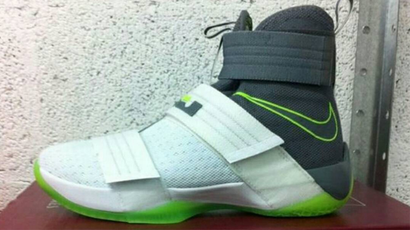 new style 7d993 c1d44 Dunkman Returns on the Nike Zoom Soldier 10 - WearTesters