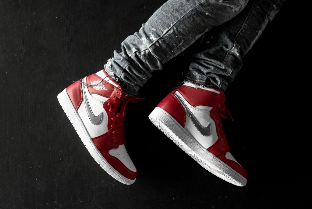 672e1e741592a8 The Air Jordan 1 Retro High  Silver Medal  Releases This Weekend -  WearTesters