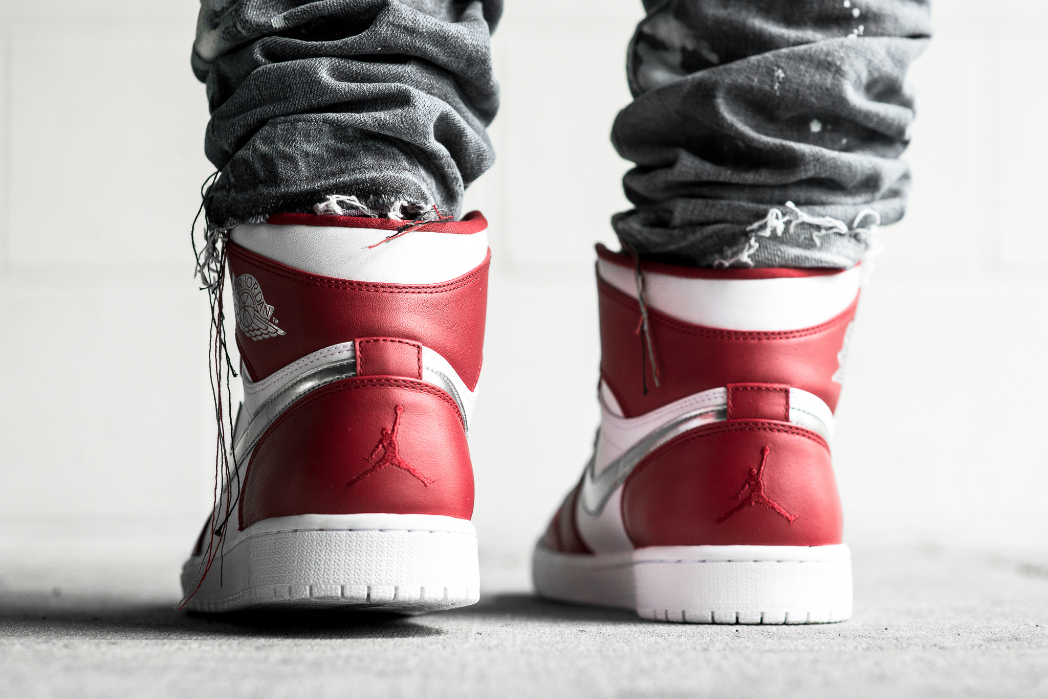 a198293bb21feb italy the air jordan 1 retro high silver medal releases this weekend 5  51612 5f0d8