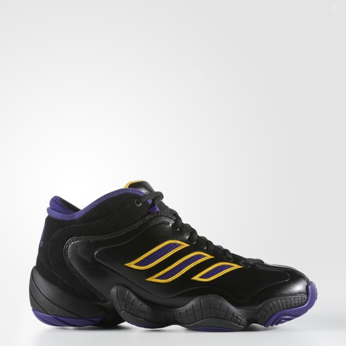 The adidas Crazy 3 is a Rare Blast From