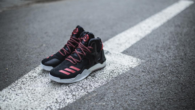 Get a Detailed Look at the adidas D Rose 7 in Black: Red 2