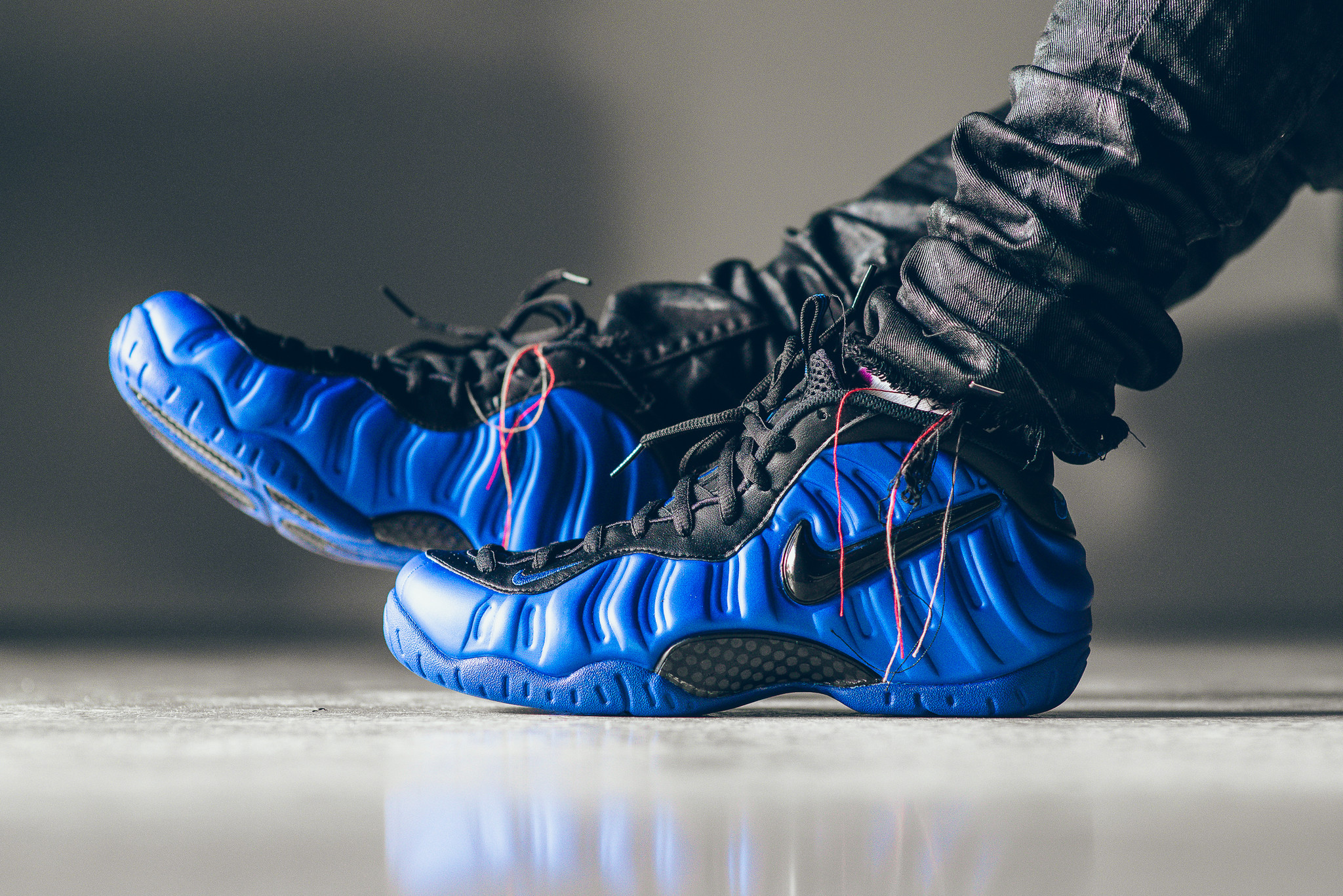 738b6ddf8 Genuine Nike Air Foamposite Pro Electronic Blue Retro Black-Whit ...
