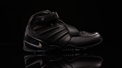 The Nike Zoom Vick III Arrives in 'Triple Black'-2