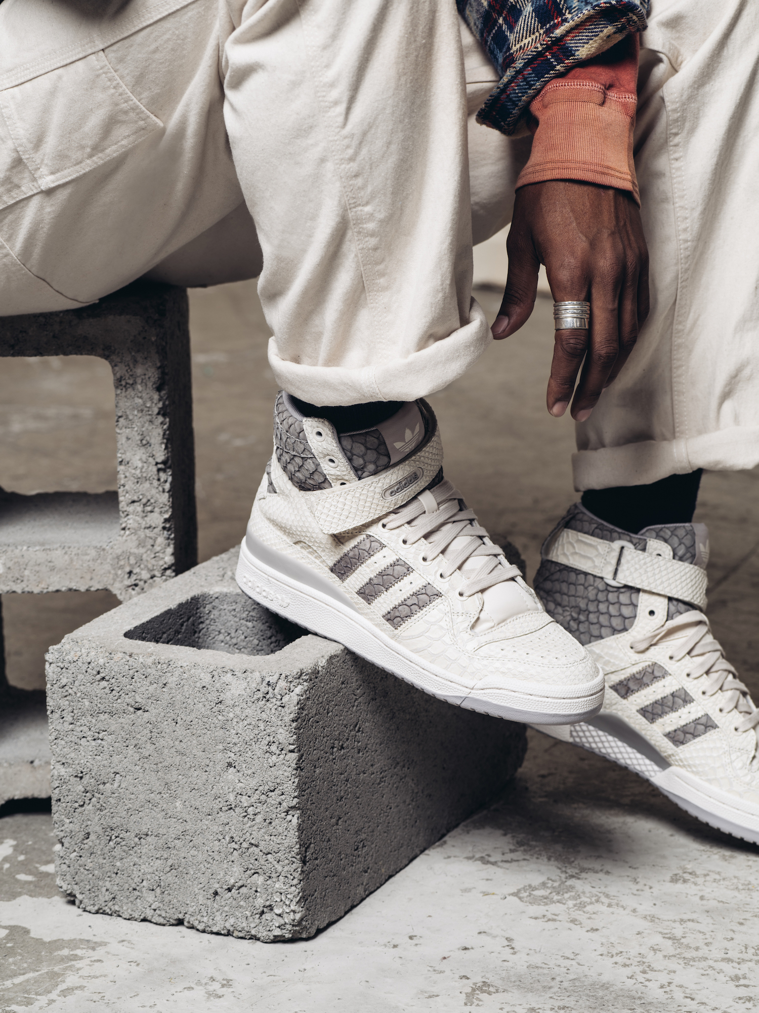 taille 40 5e2a5 f0d84 The adidas Originals Forum Hi OG Returns in Premium Fashion ...