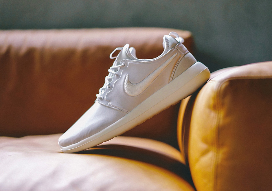 check out b68c5 c4de5 New NikeLab Roshe Two Premium Drops Tomorrow - WearTesters