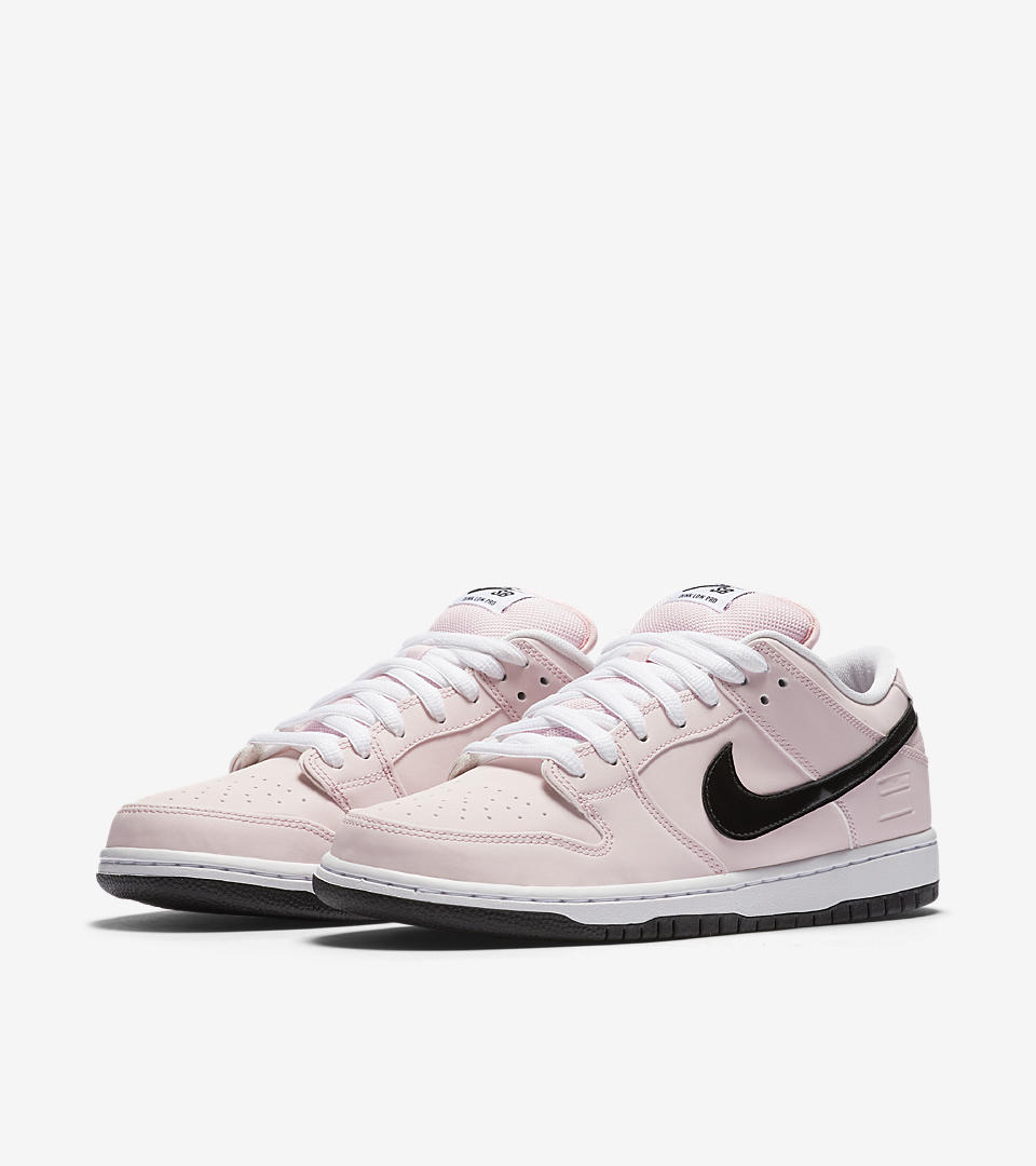 the latest c4cc3 4fdf7 A Detailed Look at the Nike Dunk Low SB Elite 'Pink Box ...