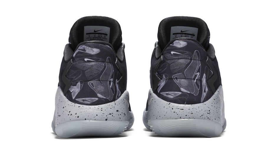 ... nike hyperdunk white black fall 2008; the graphic features sketches of  the original hyperdunk model that made is debut in 2008 finally ...