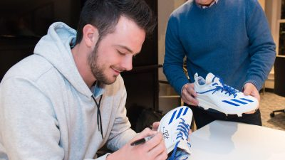 kris bryant extends deal with adidas