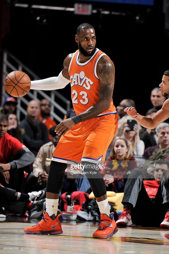online store 97021 dadd2 LeBron James Debuts Nike LeBron 14