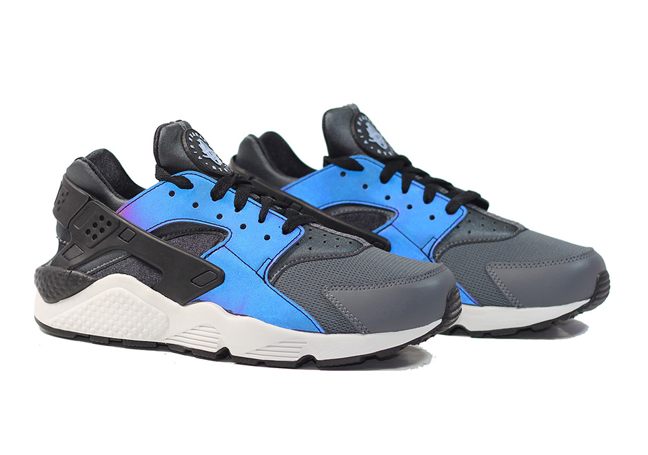 the best attitude 97bdc 90e4b Feast Your Eyes on the Nike Air Huarache 'Iridescent ...