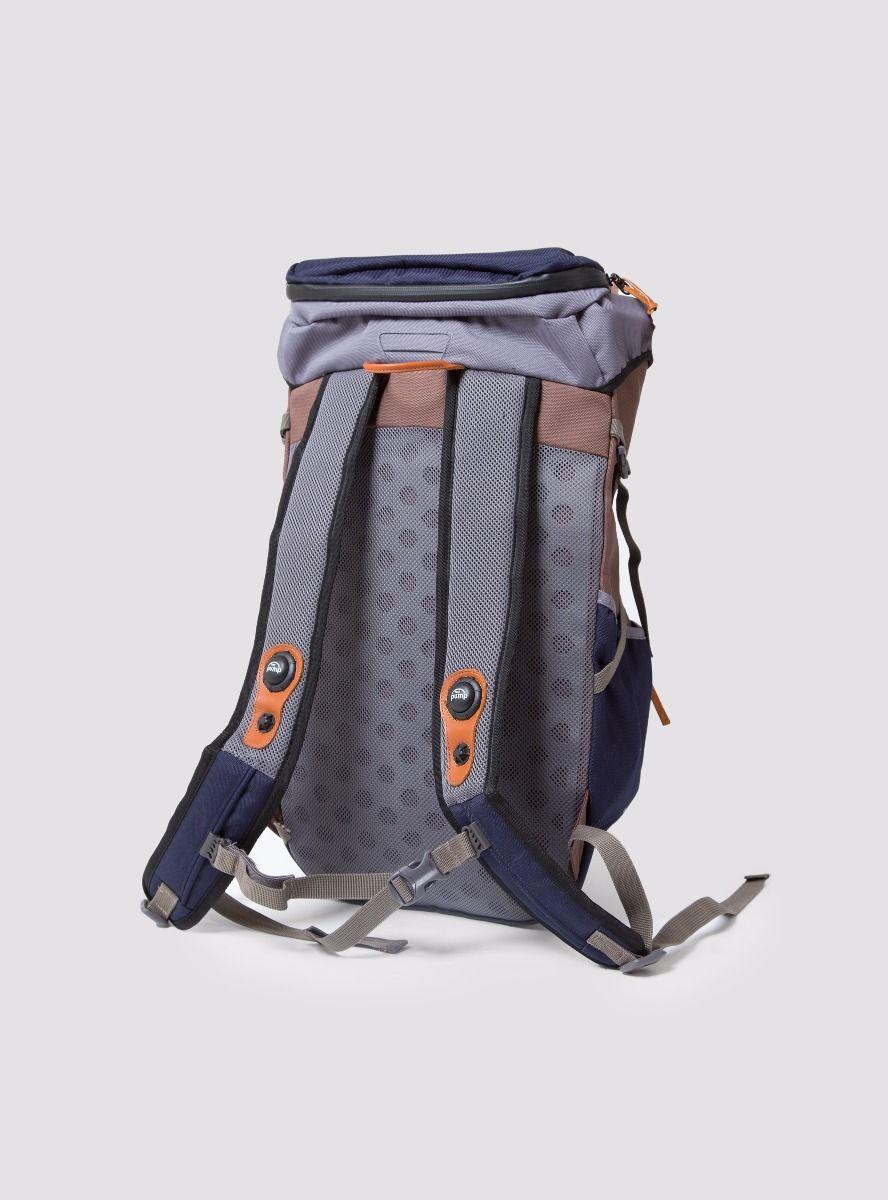 garbstore x reebok pump backpack 2
