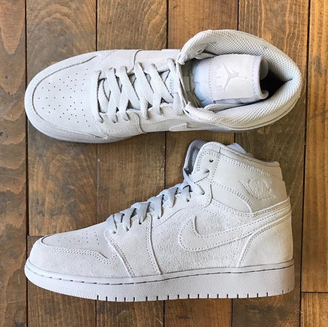 The Air Jordan 1 High Retro Gets an All