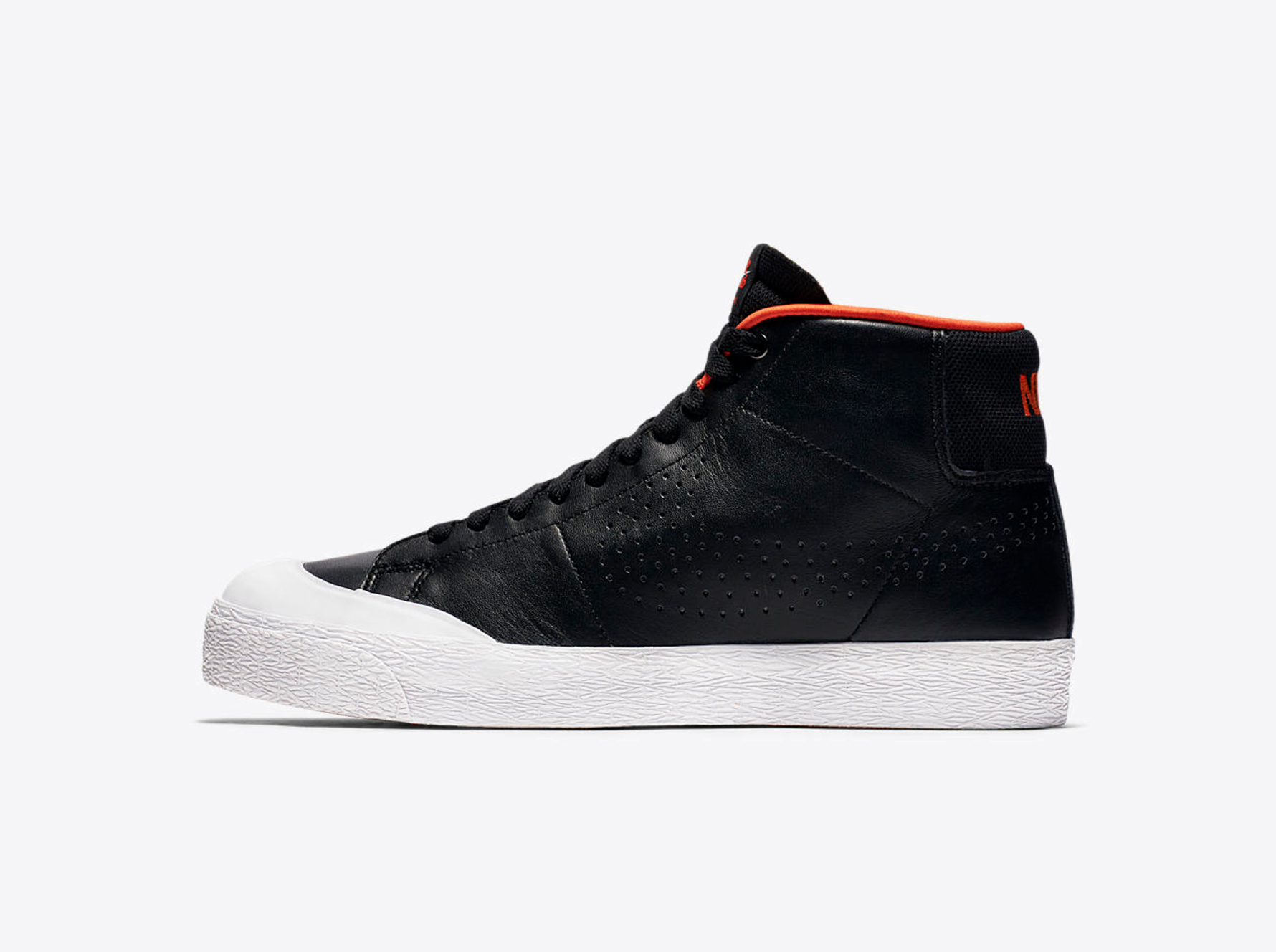 The Nike SB Blazer Mid XT Hot V9et15