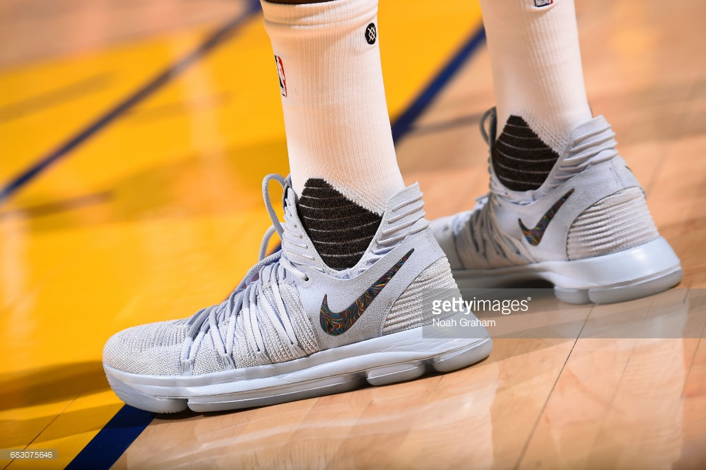 Sneakers worn by Kevin Durant #35 of the Golden State Warriors during the  game against the San Antonio Spurs during Game One of the Western  Conference ...