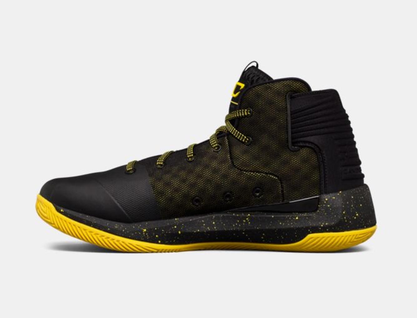 En Virtud De Curry 3zer0 Zapatos De Baloncesto De Los Hombres De Armadura EgfEYTUa