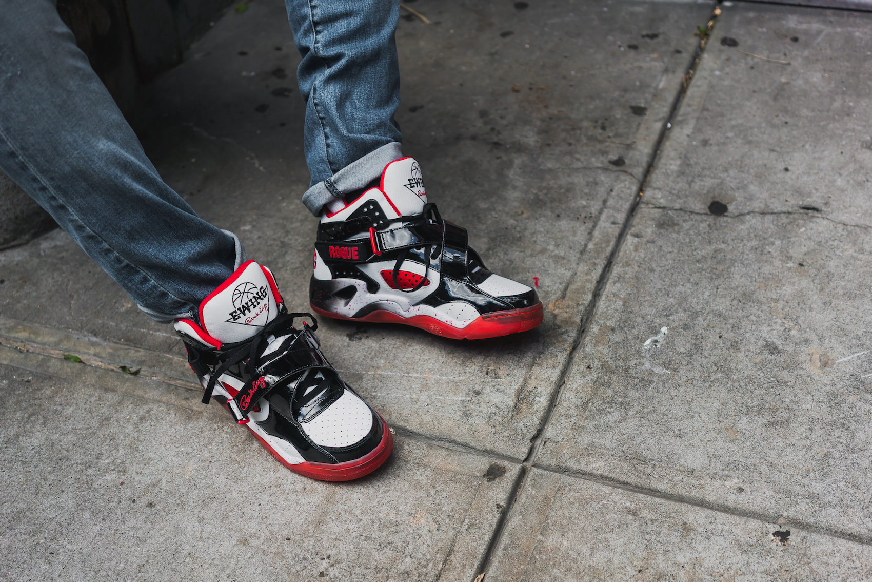 Ewing Rogue Black Red