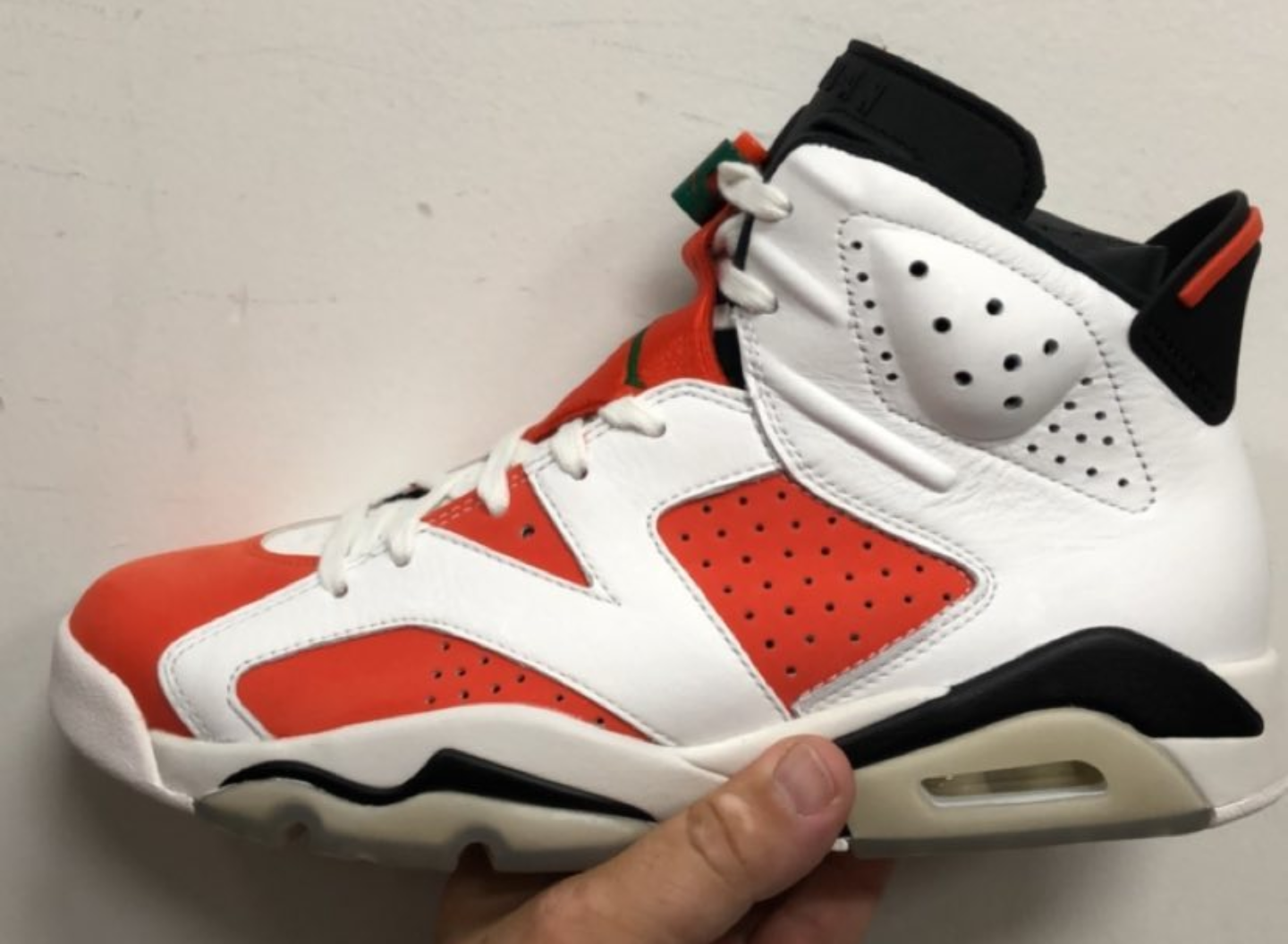 hot sale online 0a2ec 6ccac Detailed Look at the Air Jordan 6 'Gatorade' - WearTesters