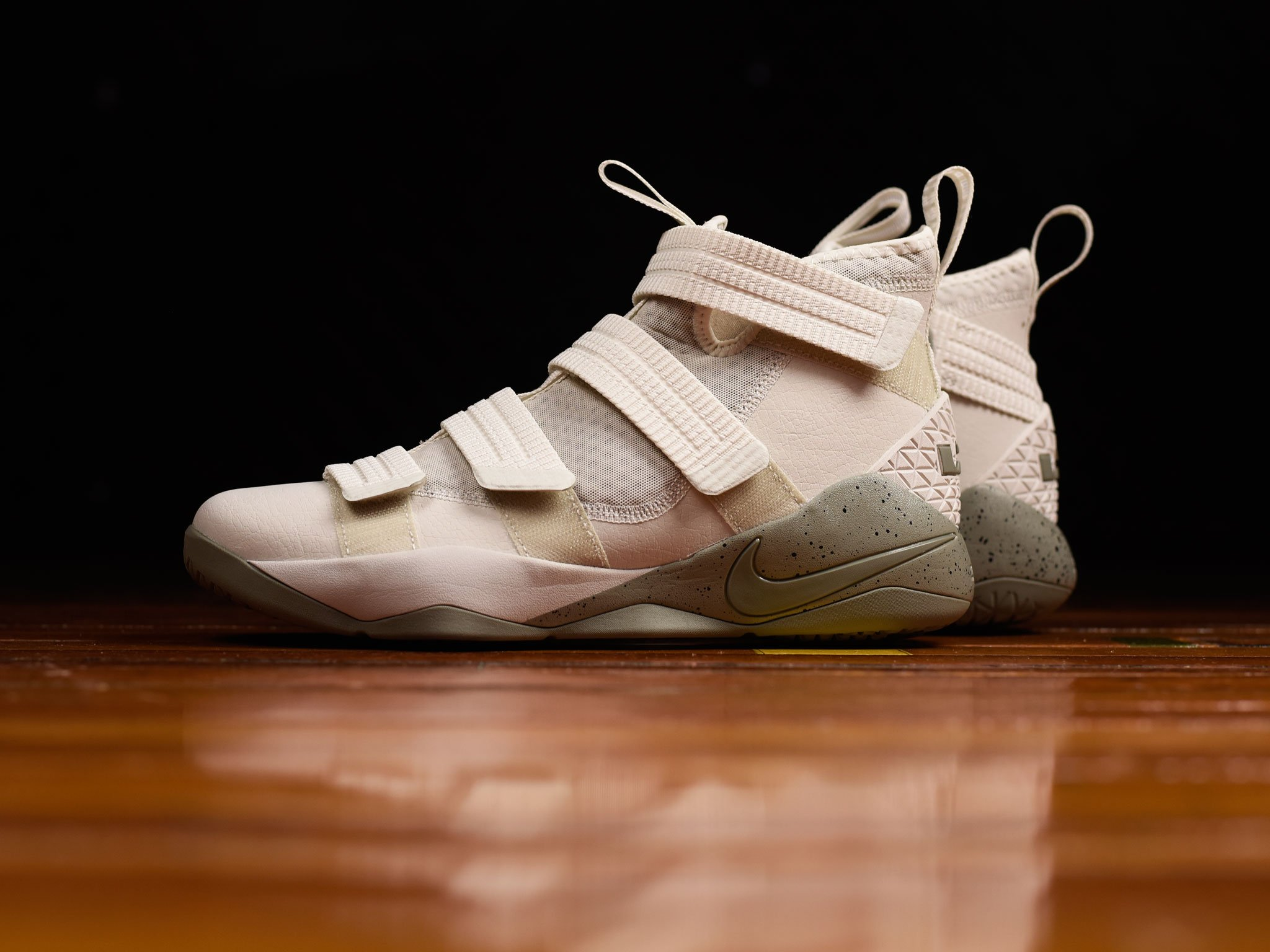necesidad Subproducto Porra  The LeBron Soldier 11 SFG Gets a Leather Upgrade - WearTesters