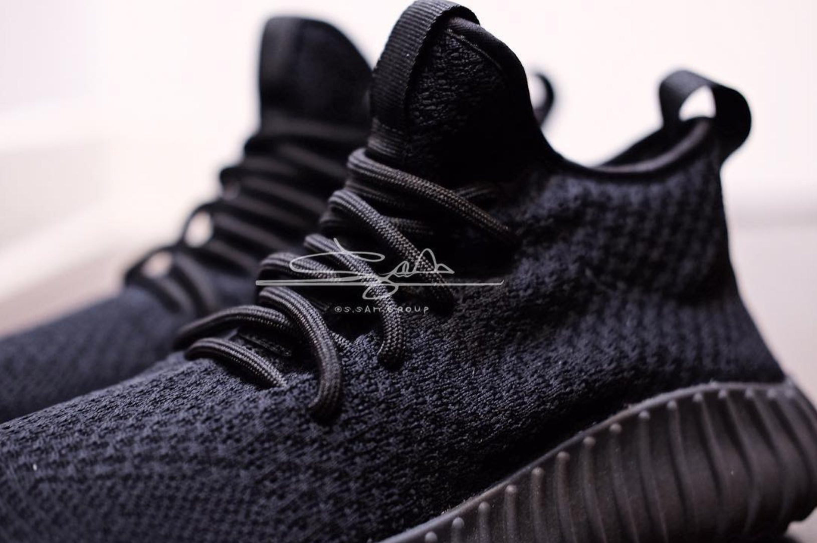 9c2bedebd5f5e triple white adidas yeezy boost 650 cheap black white and red shoes