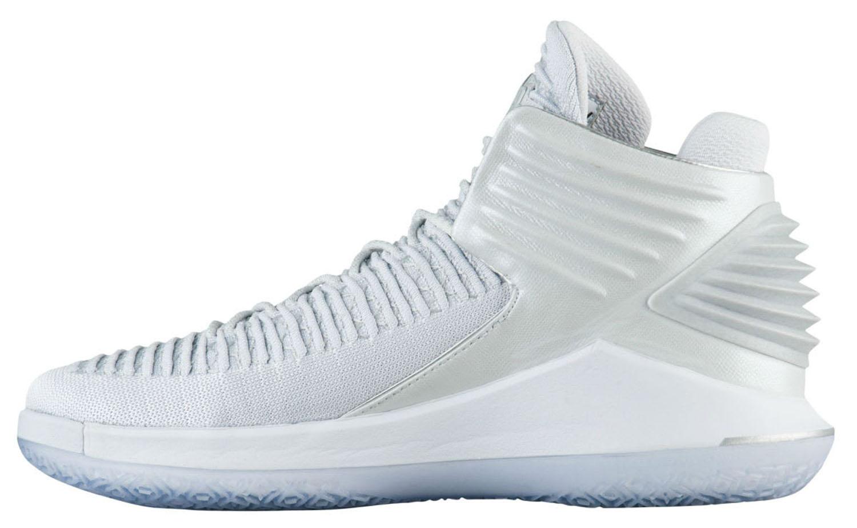 Air-Jordan-32-Pure-Platinum-2