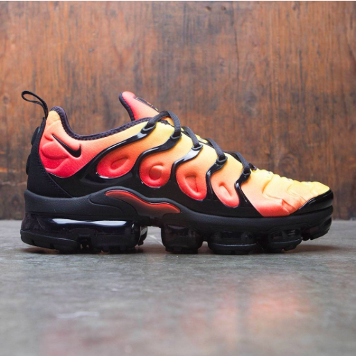 pretty nice a6f26 da901 The Nike Air VaporMax 'Tiger' Honors an OG Air Max Plus ...