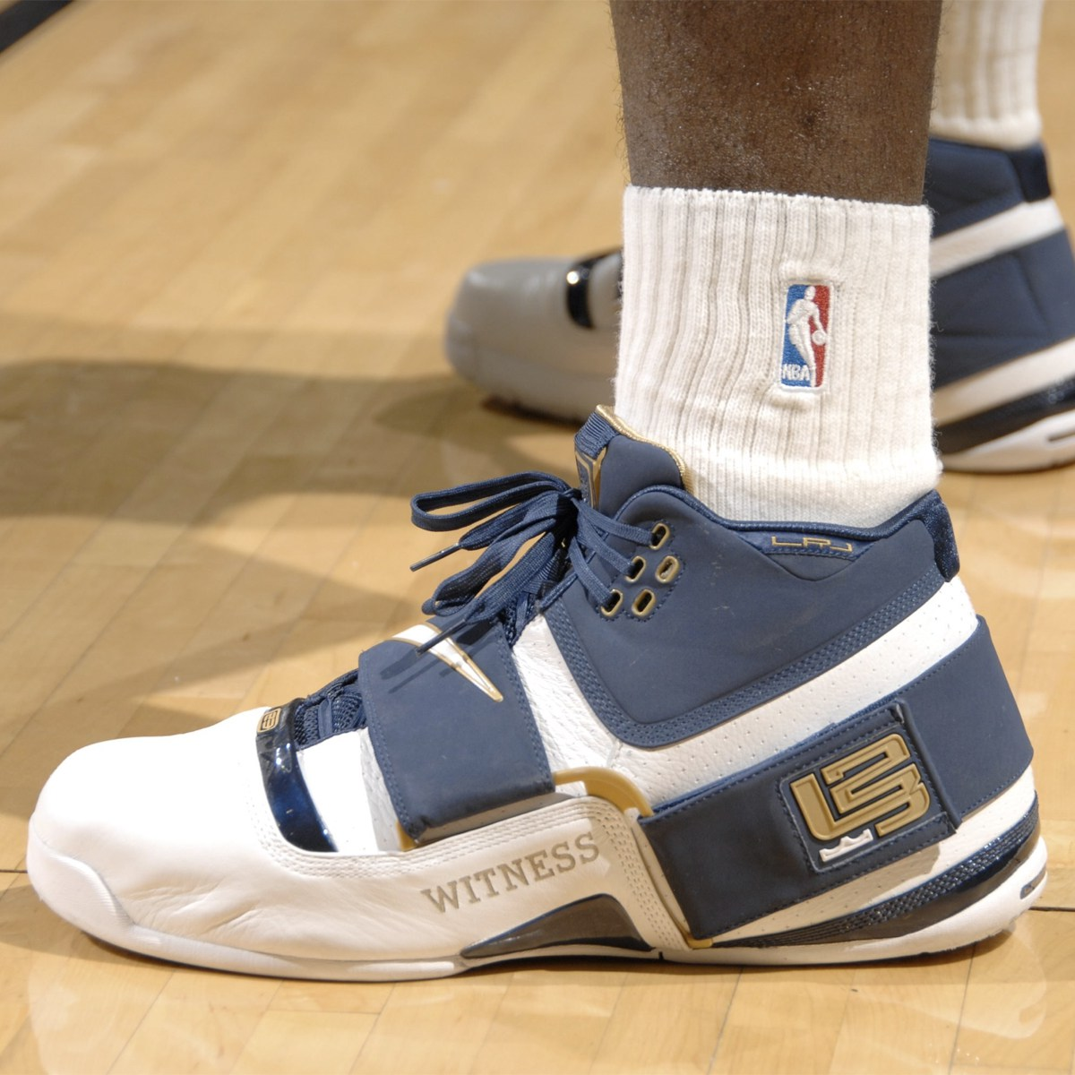new style f0dea 0758e Here's a Detailed Look at the Nike LeBron Soldier 1 From the ...