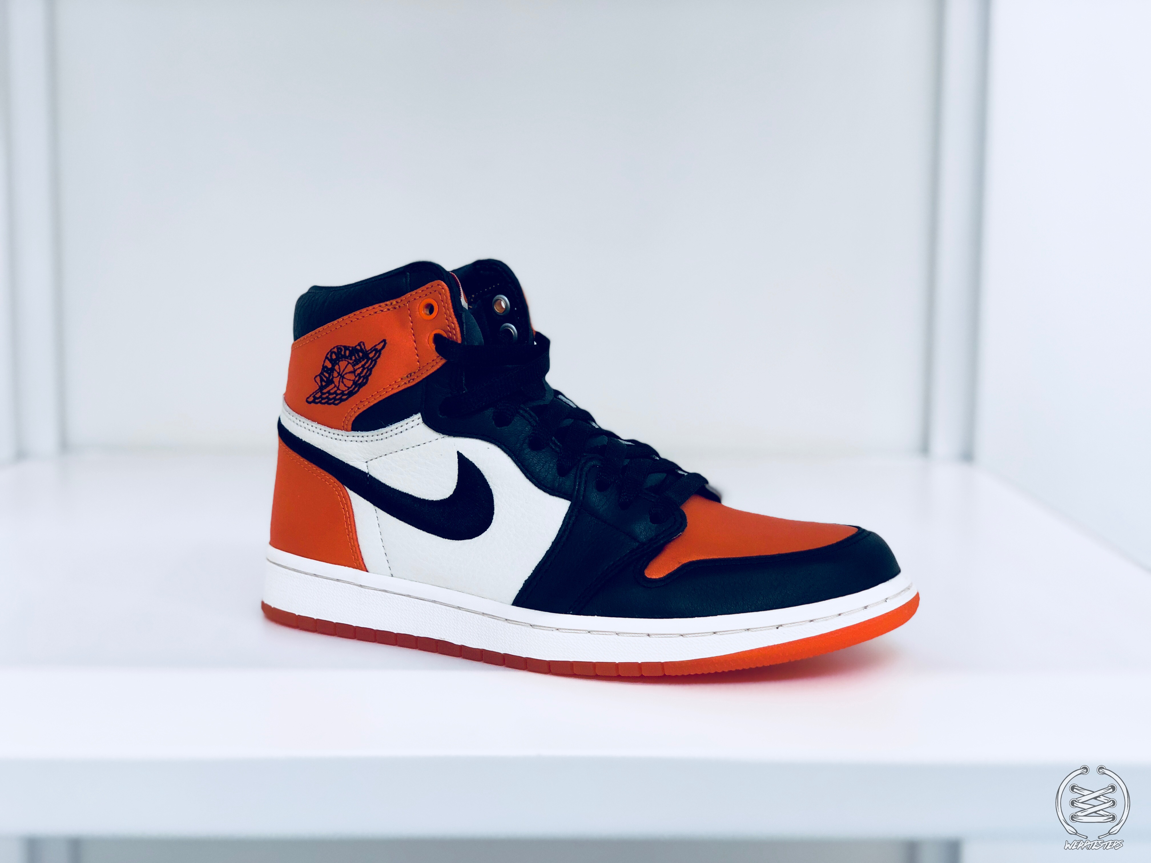 buy popular 25427 6446a The Air Jordan 1 Satin 'Shattered Backboard' is for the ...
