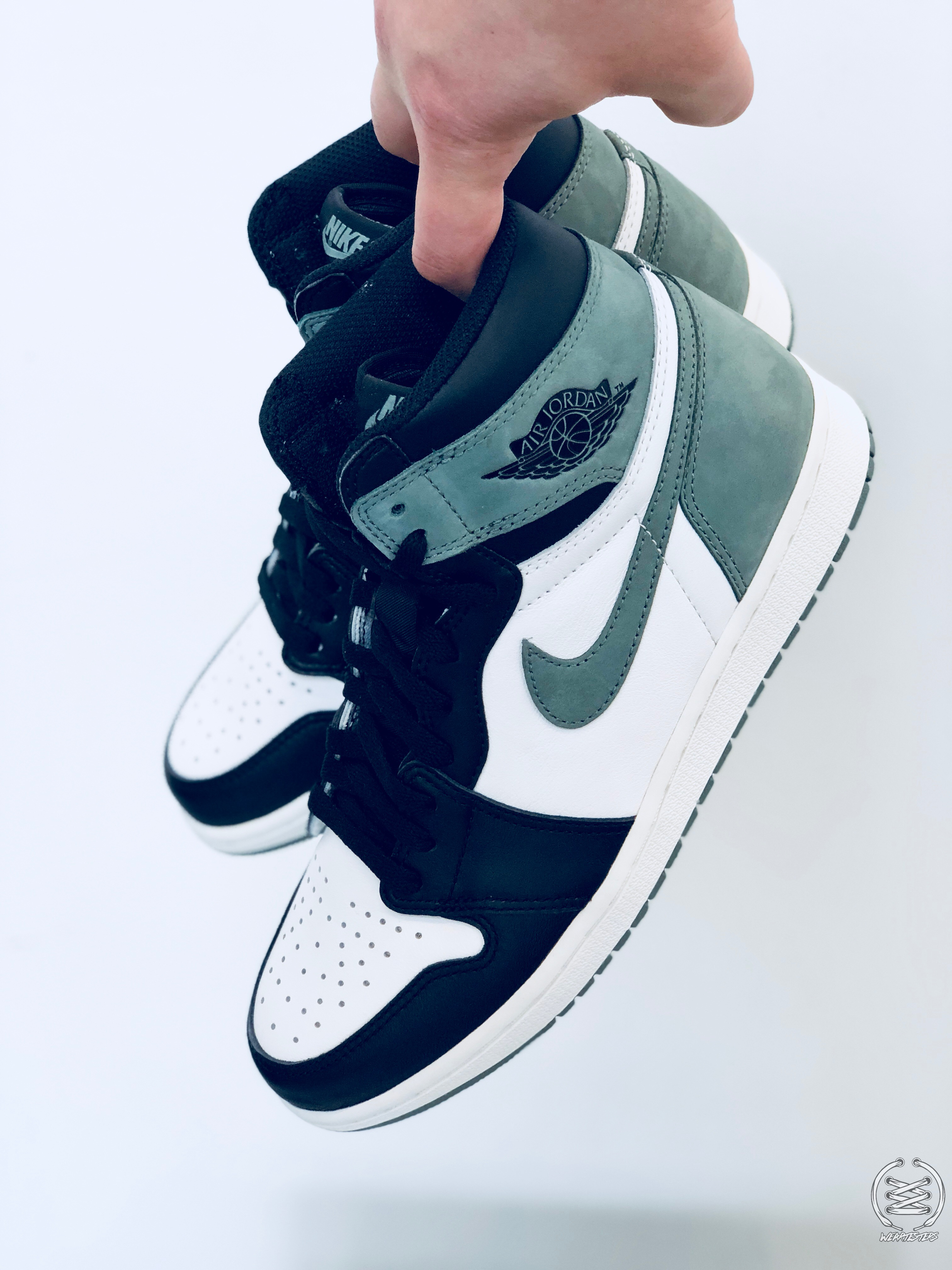 buy online e25d4 6c987 Only the Air Jordan 1 'Clay Green' and 'Blue Moon' to ...