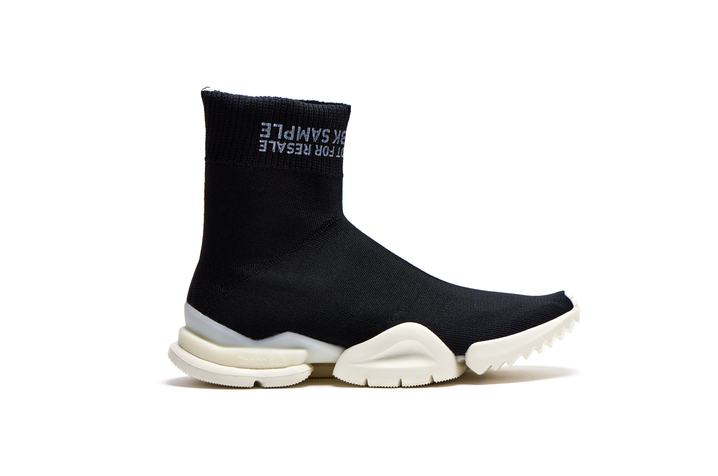 Dental Son Correctamente  The Reebok Sock Run.r Will Drop Exclusively at Barneys This Friday -  WearTesters