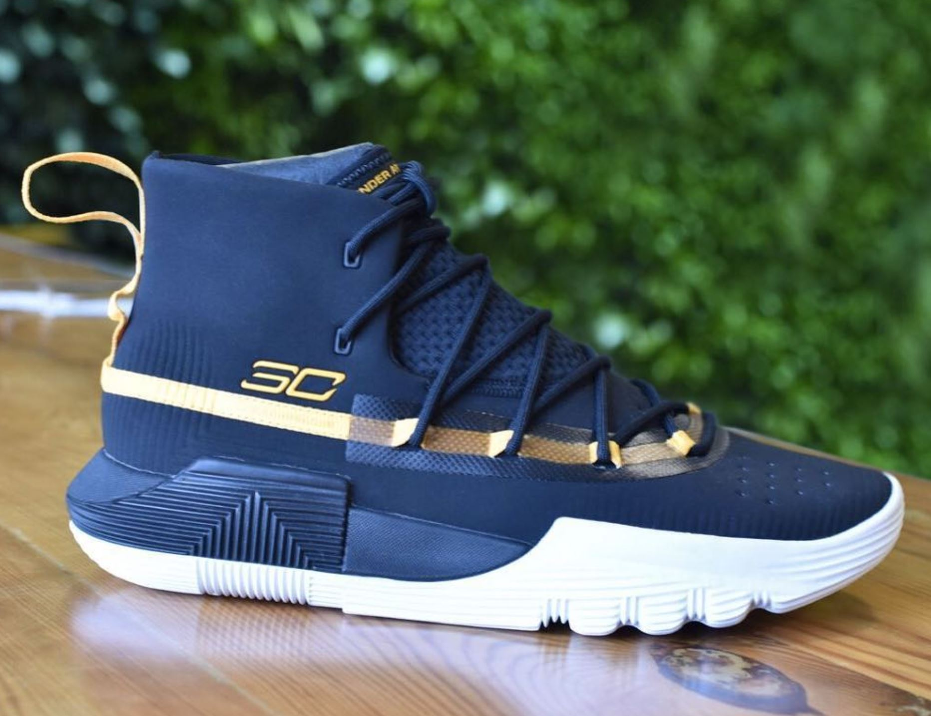 The Under Armour Curry 3ZER0 II Has