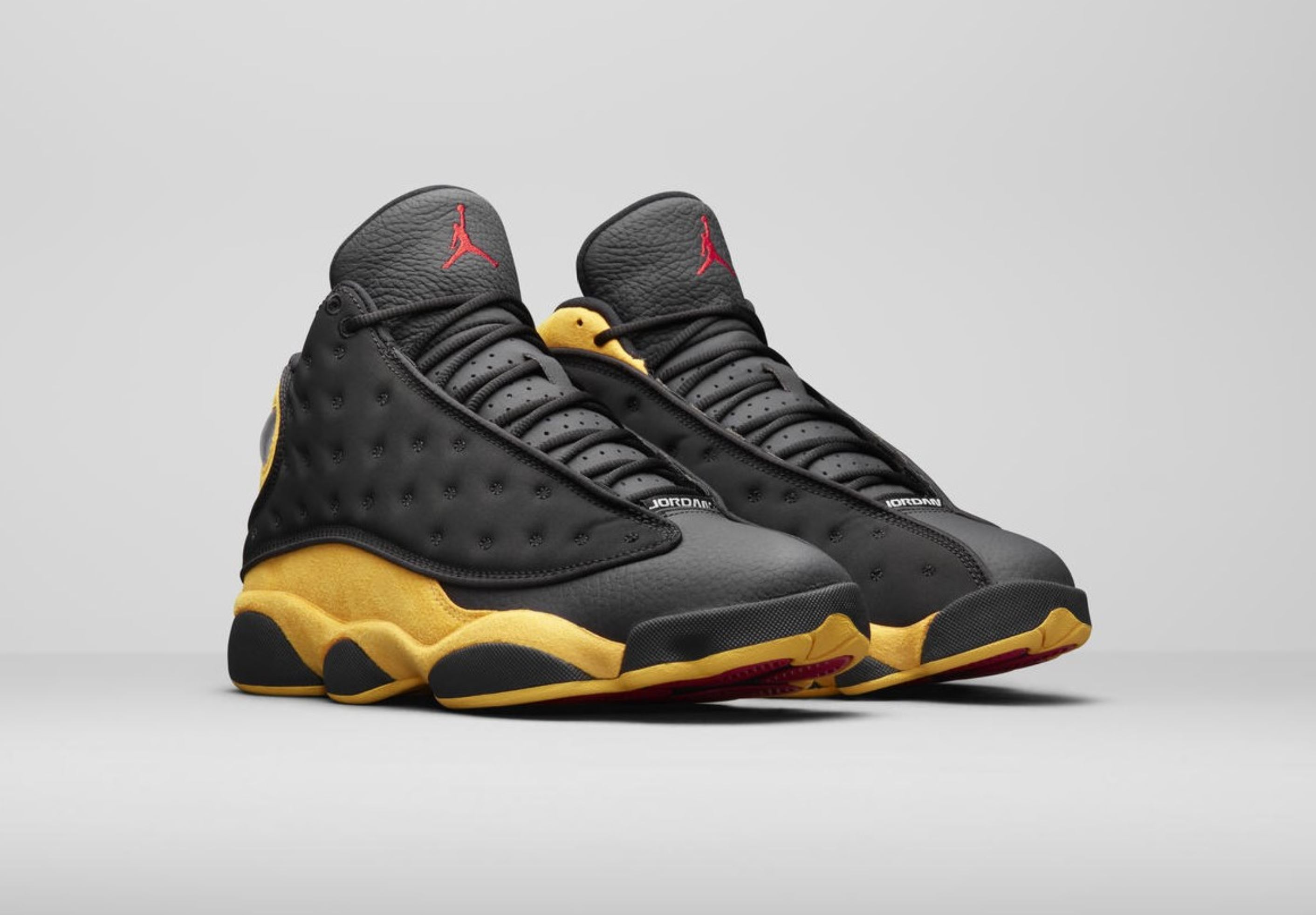 the latest 469c1 83e1c Carmelo's Air Jordan 13 'Class of 2002' Will Not Release in ...