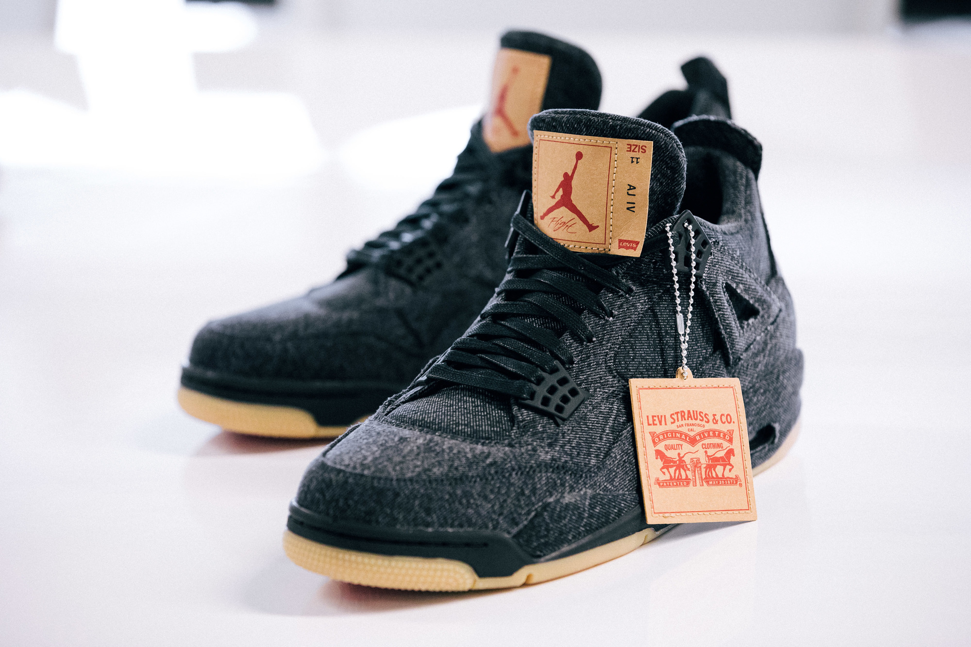 finest selection 12eea 93f10 The Upcoming Levi's x Air Jordan 4 Release Date is Official ...